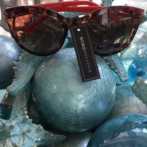 NWT $99 BCBG MaxAzria sunglasses